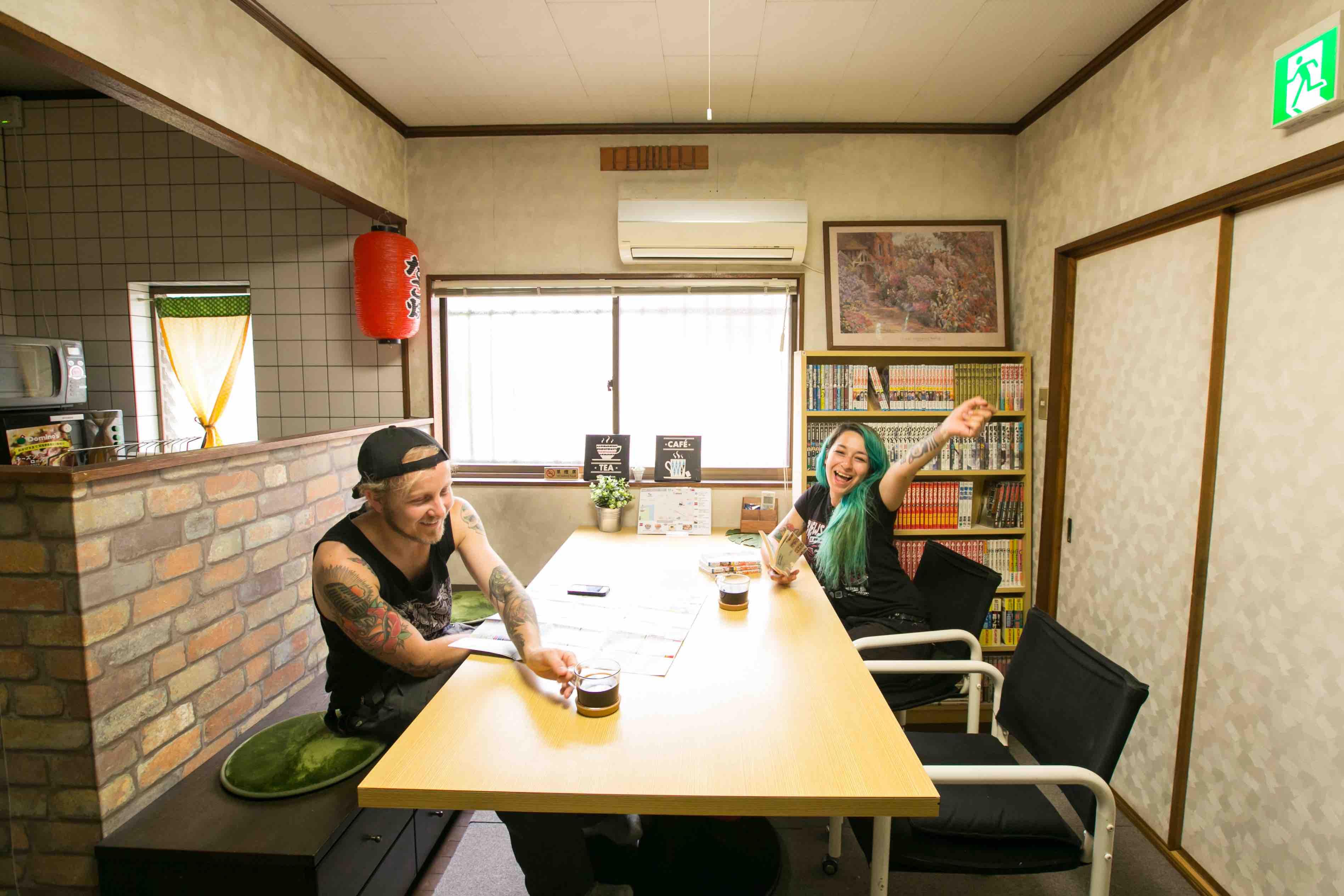|大阪|ゲストハウス|[ 南大阪 ]漫画が3000冊ある 一軒家ゲストハウスのフリーアコモデーションスタッフ募集
