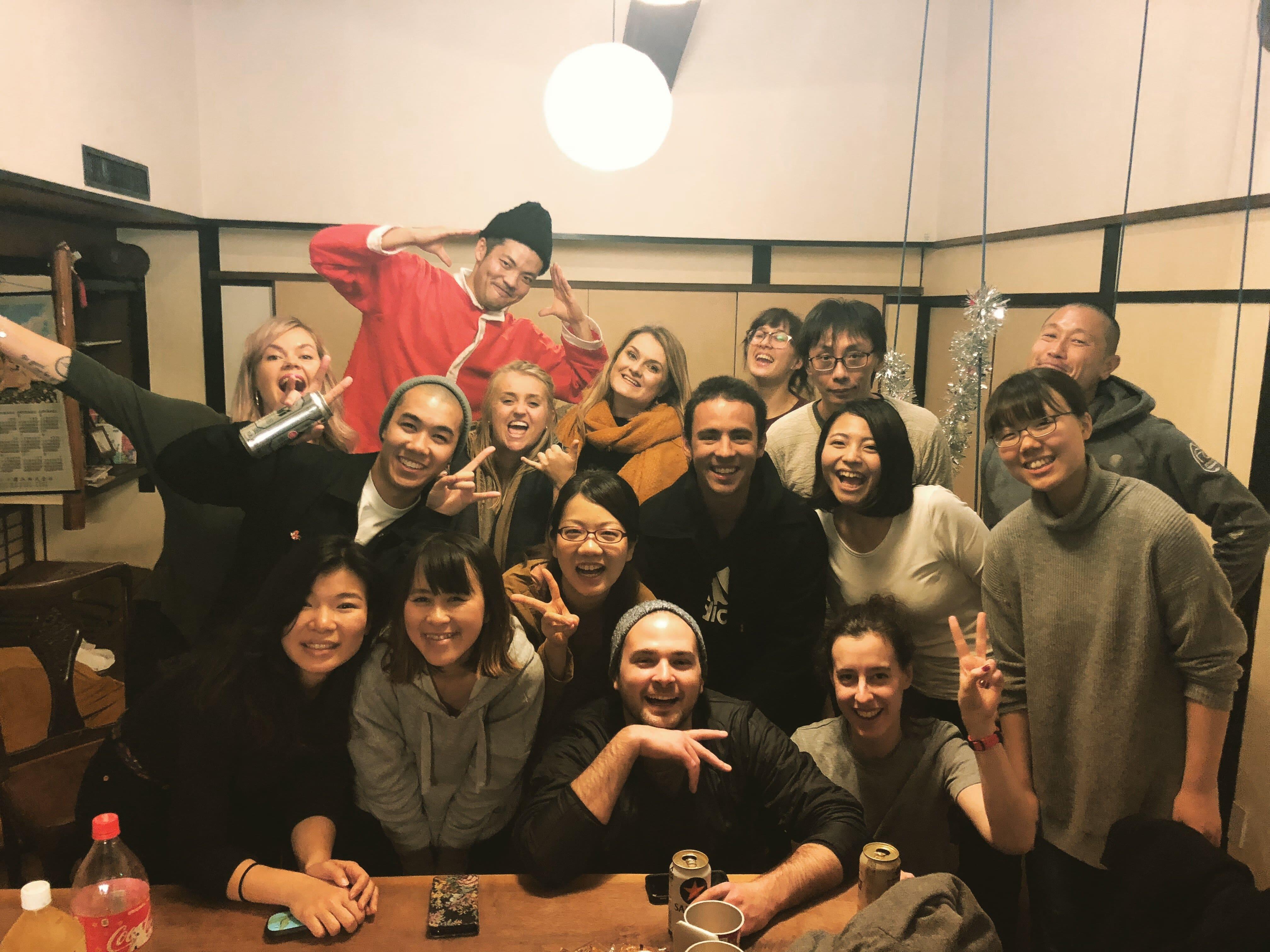 |大阪|ゲストハウス|珈琲バルや雑貨屋を併設した複合形ゲストハウスで清掃業務をしてみたい人募集!フリーアコモデーション募集