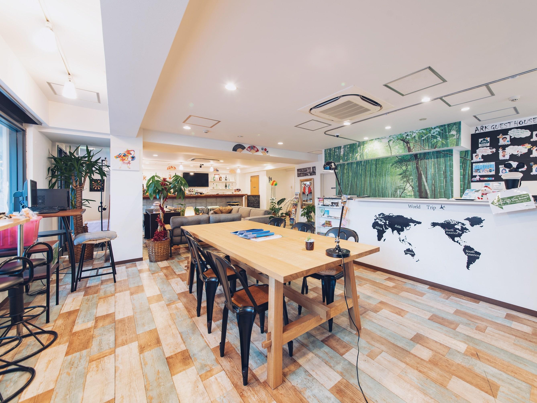 |大阪|ゲストハウス|インターナショナルなゲストハウスでの住み込みスタッフ募集★1日3時間勤務で家賃や水光熱費不要★